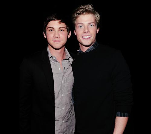 Hunter Parrish And Logan LermanHunter Parrish And Logan Lerman